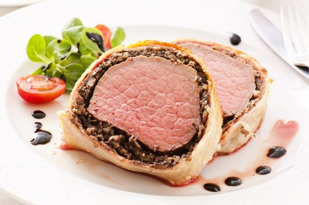 beef cuts: Beef Wellington with salad  Stock Photo