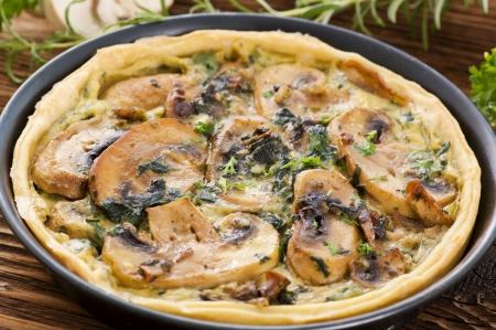 self starter: Quiche with mushrooms and spinach
