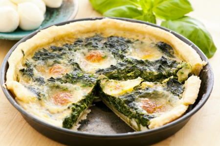 self starter: Tarte with spinach and mozzarella