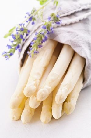 serviettes: white asparagus