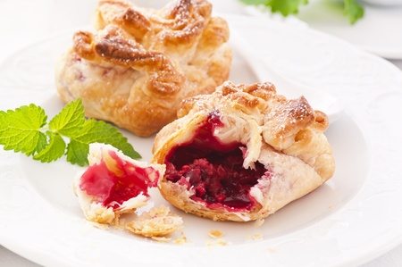 flaky: Pastry with raspberry filling