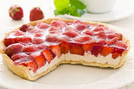 cheese cake: strawberry tart with ricotta filling