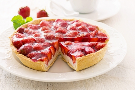 strawberry jelly: strawberry tart