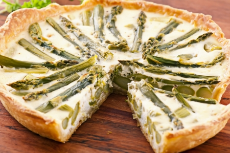 self starter: Tarte with Asparagus Stock Photo