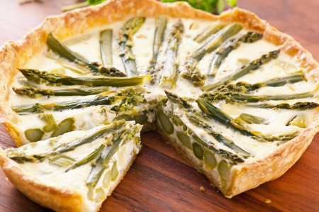 Tarte with green asparagus photo