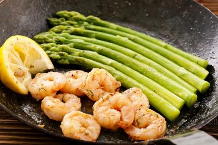 green asparagus with prawns photo