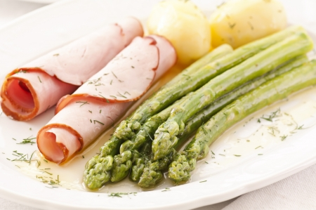 hause: asparagus with ham and potato Stock Photo