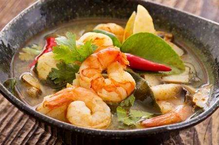 シーフードのトムヤム スープ