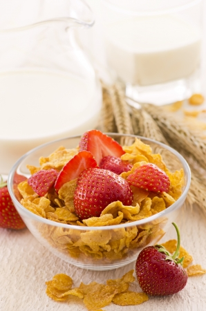 gelb: corn flakes with strawberries