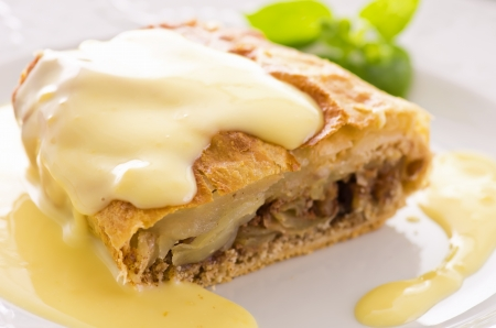 filling: apple strudel with vanilla sauce