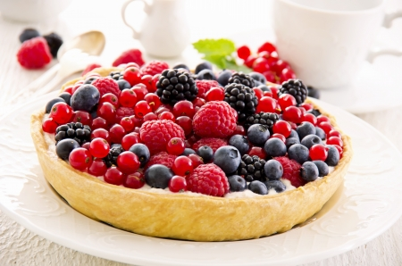 Tarte with quark and berries Stock Photo - 16269024