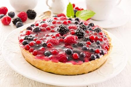 pasteleria francesa: Pasteles con frutas frescas Foto de archivo