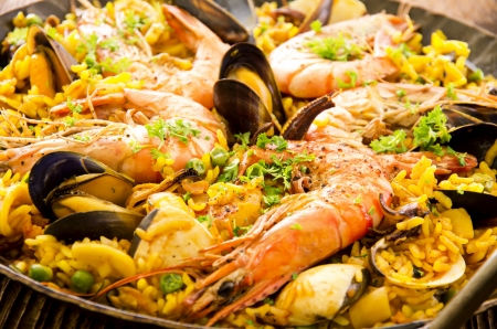 spanish food: seafood paella
