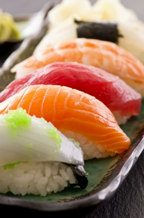 sushi plate: sushi on the plate