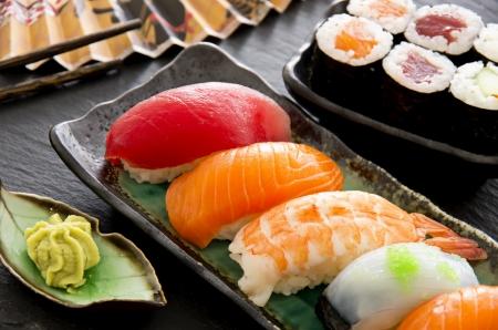 maki: sushi and rolls