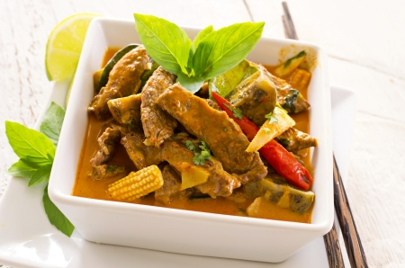 chilli sauce: thai red curry