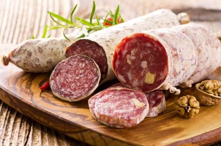 saucisse: sortes de salami diff�rents Banque d'images