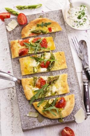 mozzarella cheese: flat bread with mozzarella and asparagus