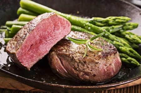 steaks: steak with asparagus