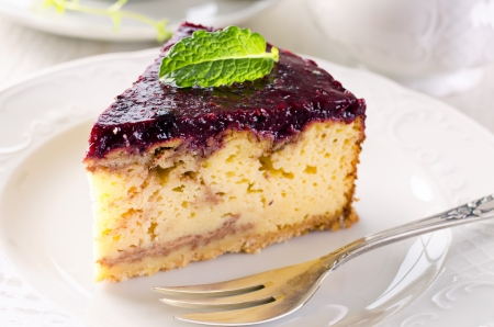 torte: torte with cream cheese and berry custard Stock Photo