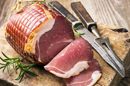 parma ham: smoked ham