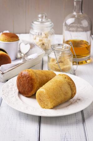 rum cake: cake italiano - bab� al rum Archivio Fotografico