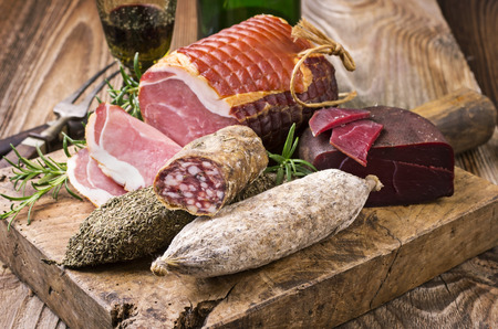 longaniza: meat plate
