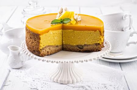 english tea: cheesecake with mango