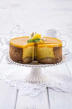 cheesecake with mango photo
