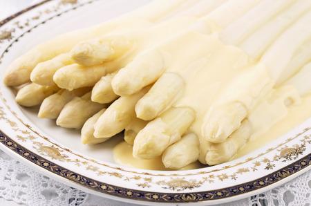 nostalgy: white asparagus