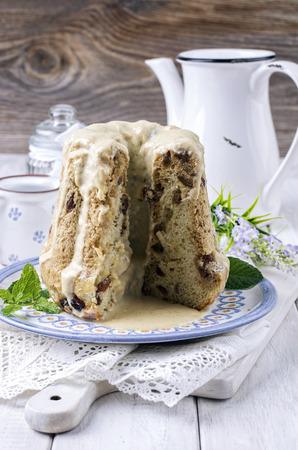 rhum: gugelhupt with vanilla sauce