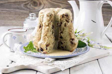 rhum: bundt cake with vanilla sauce