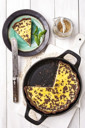 short crust pastry: lemon pastry with chocolate