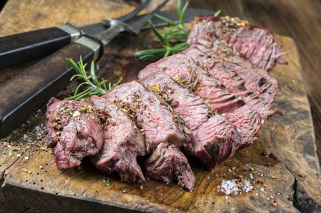 rosmarin: Grilled Steak Slices