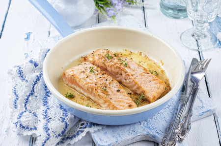 emaille: salmon braised Stock Photo