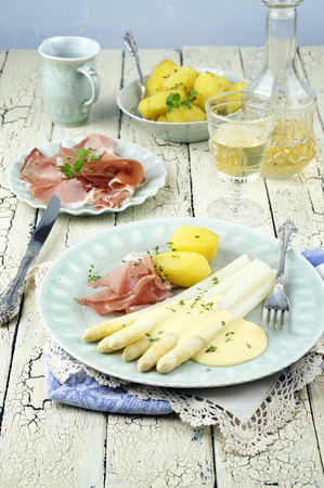 gelb: White Asparagus with Ham Stock Photo