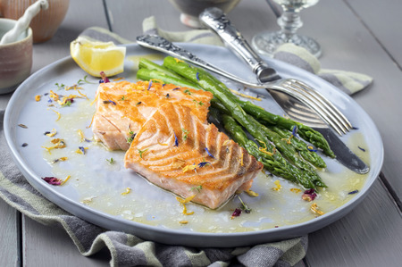 filet: Salmon Filet with Green Asparagus