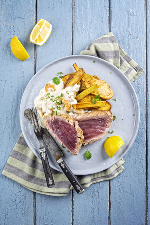 pomme: Tuna Steak with pomme Fries
