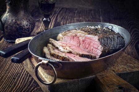 roast beef: Roast Beef in Copper Pod