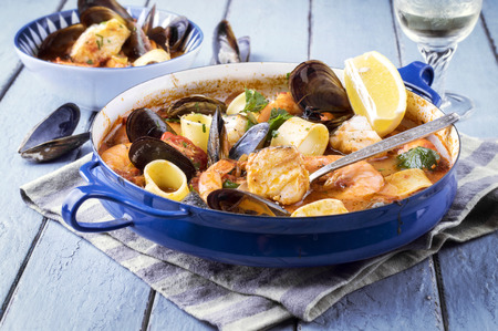 Seafood Stew in Saucepan Stockfoto