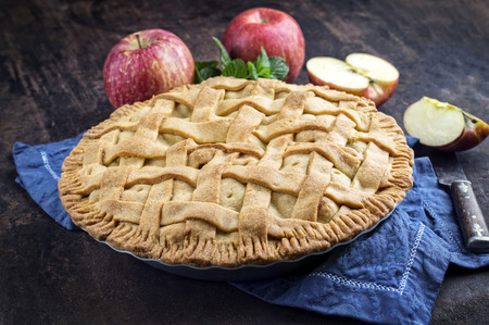 haut: Apple Pie in Backing Form