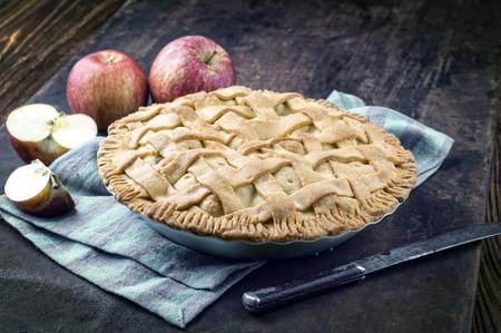 bonne: Apple Pie in Backing Form