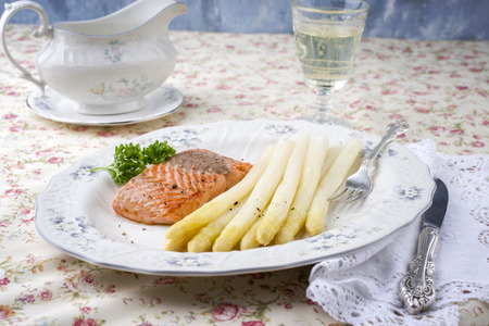 filet: White Asparagus with Salmon Filet on Plate