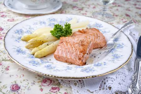 white asparagus: Salmon Filet with White Asparagus