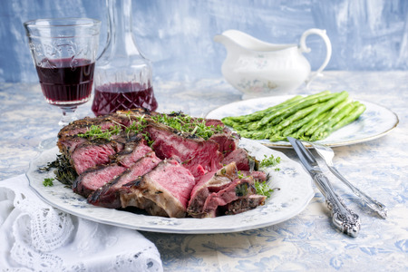 porterhouse: porterhouse steak with asparagus