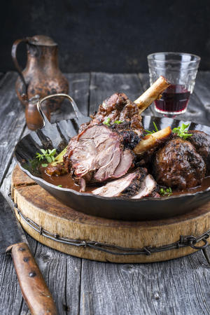 Barbecue Lamb Knuckle in Red Wine Sauce