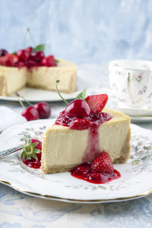 gold table cloth: Cheesecake with Fresh Fruits
