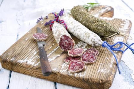 haut: Salami on Cutting Board