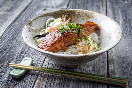 연어 테리 야키 (쌀과 야채 포함) 스톡 콘텐츠