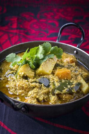Sweet Potato Curry on Bowl Standard-Bild